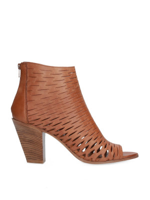 Ankle boot in carved leather