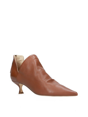 Low leather ankle boot
